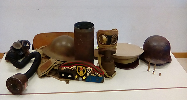 INFANTRY EQUIPMENT AND UNIFORMS WW1/WW2