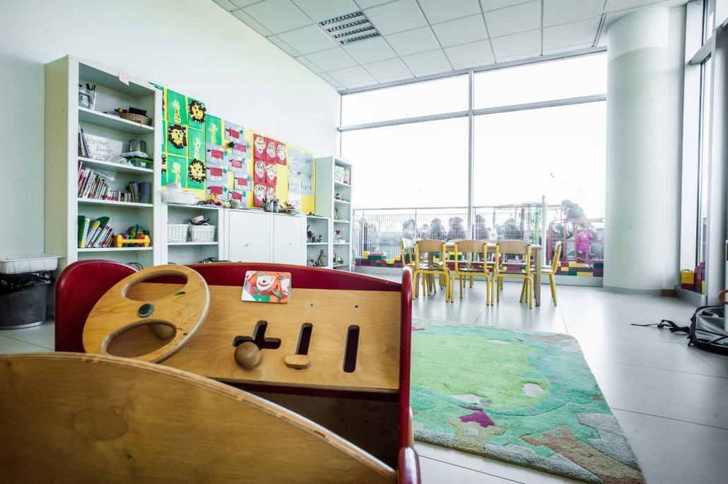 Questa è una delle nostra classi. Ogni classe ha almeno un lato composto da vetrate.