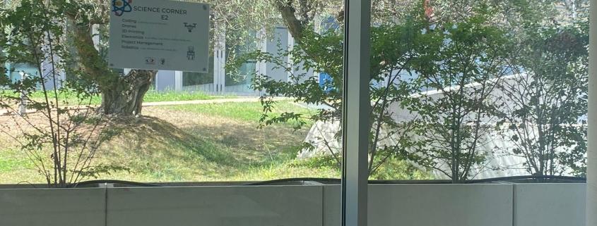 Veduta dell'esterno dalle nostre classi
